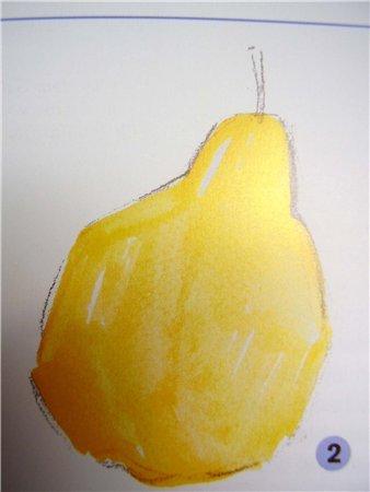 раскрашиваем грушу желтой краской