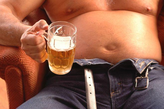Сиськи пиво и жрать