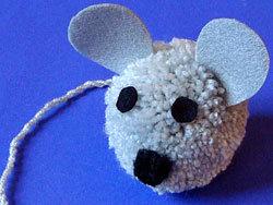 мышь из помпона своими руками