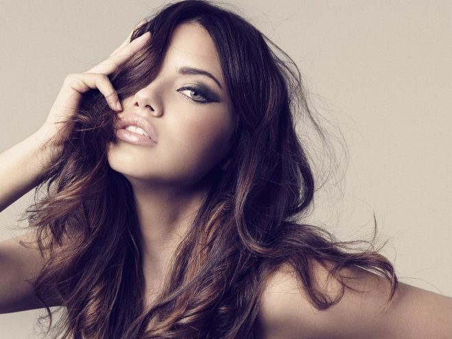Самая сексуальная актриса певица на ваш взгляд