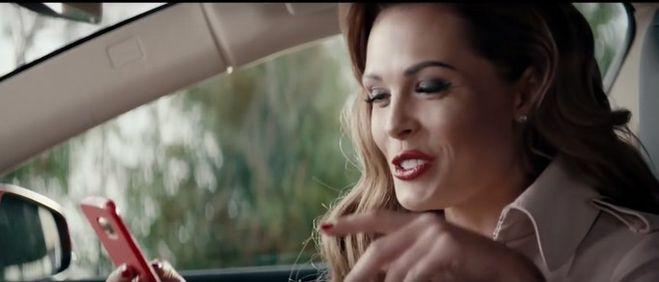 присмотритесь составу женщина снимается в рекламе с нагиевым термобелье