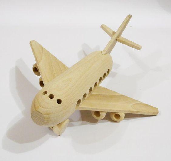 самолет из дерева