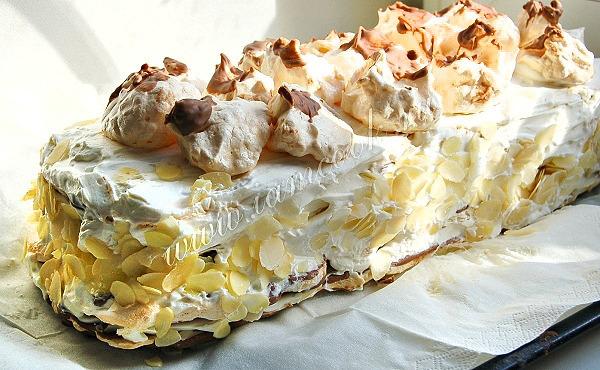 Сливочный торт с безе