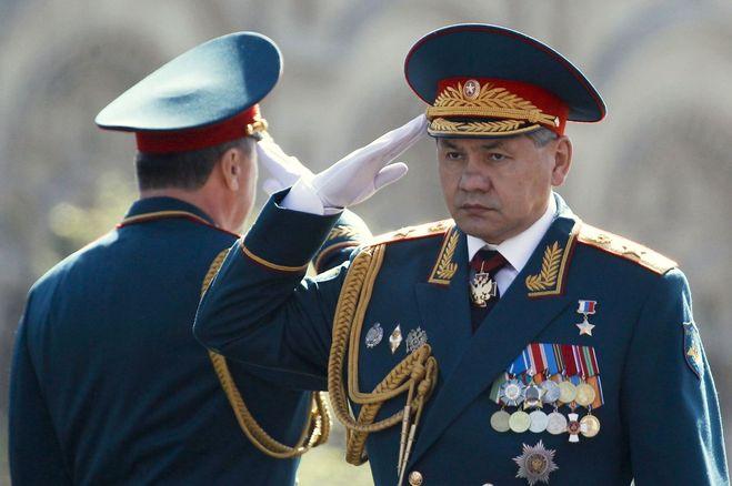 читала, служу российской федерации воинское привествие выделяет представительницу прекрасного