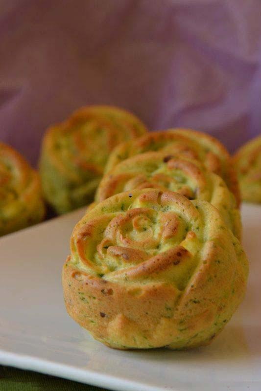 """Закусочные булочки-маффины """"розочки с цуккини"""