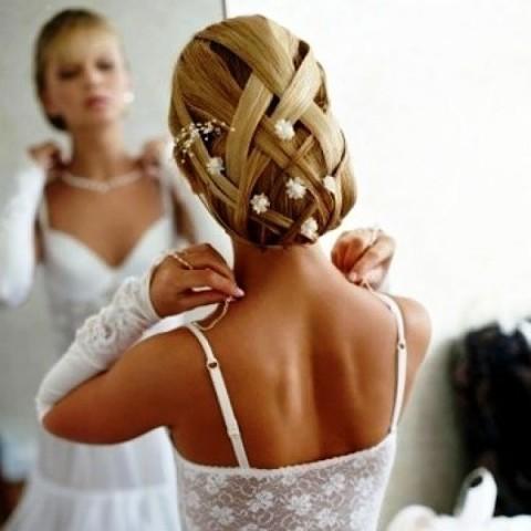 свадебные высокие прически с фатой стрекоза