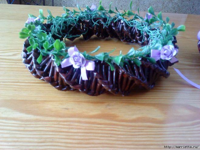 спиральное плетение, газетные трубочки, подставка для пасхальных яиц