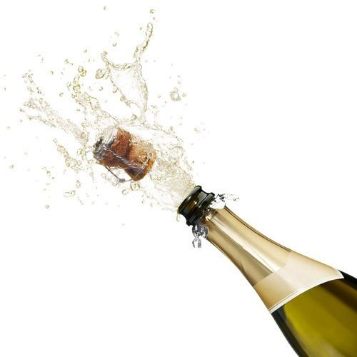 открыть шампанское, дымок из горлышка