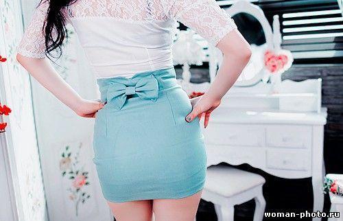 с чем носить голубую юбку