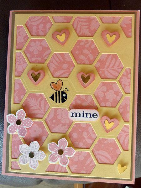 Открытка-валентинка с пчелой