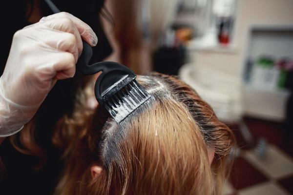 Красим волосы в домашних условиях эстель 80