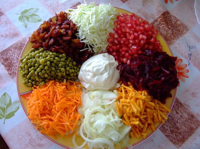 салат ромашка рецепт с жареной картошкой