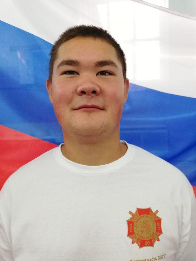 Шамиль Галиев возле флага России