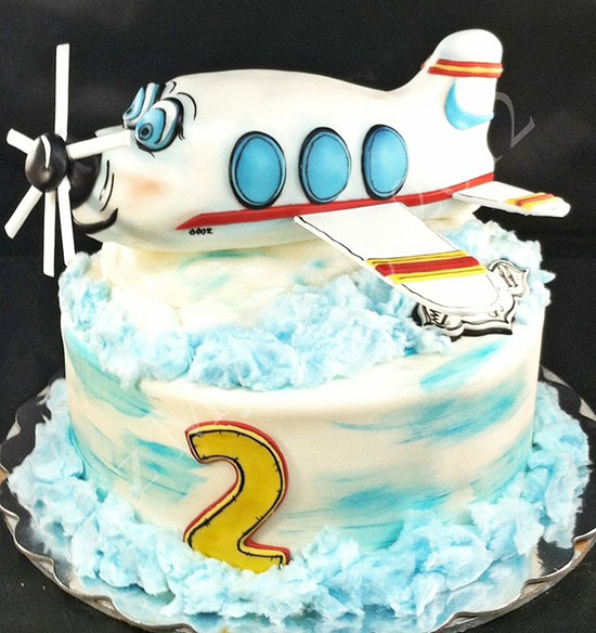 Торт самолет из мастики