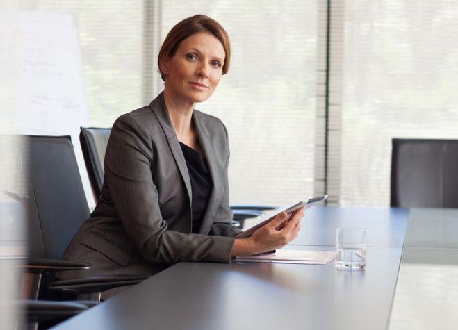 Фото женщины в офисе 46227 фотография