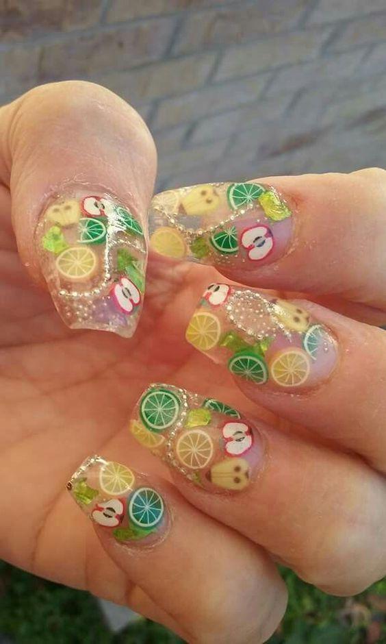 рисунок на ногтях из цитрусов