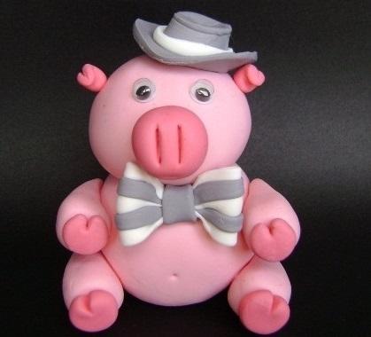 сделать свинью, свинку, поросенка из соленого теста