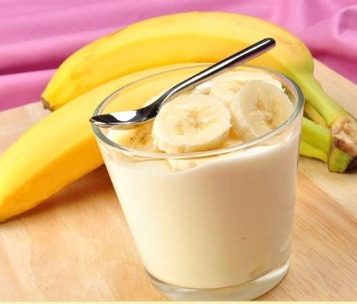 Ягодный смузи с бананом, пошаговый рецепт с фото
