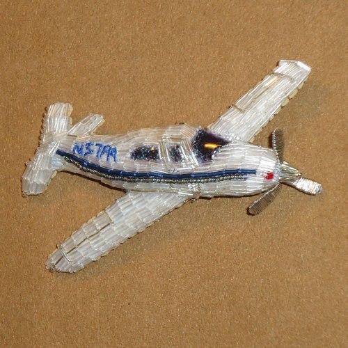 вышивка бисером самолета своими руками брошь
