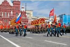 Как оригинально, красиво подписать фото с Парада Победы?
