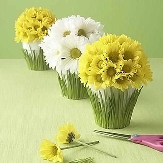 Горшок из бумажных цветов