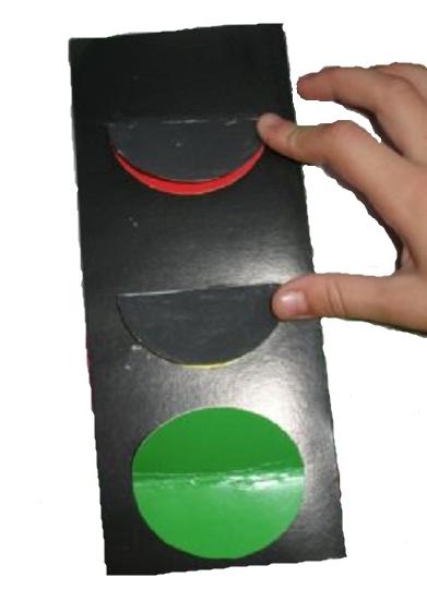 Как сделать светофор детям