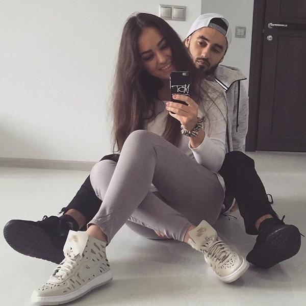мот и жена знакомство