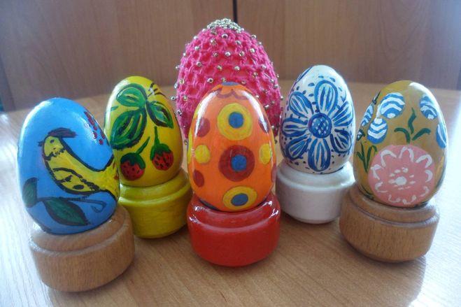 Как раскрасить пасхальные яйца красками 113
