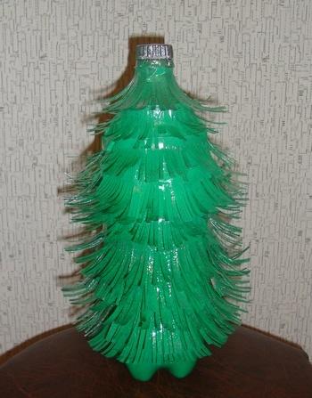 Как сделать елку из пластиковой бутылки фото