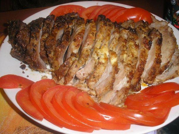 Запечено мясо в духовке