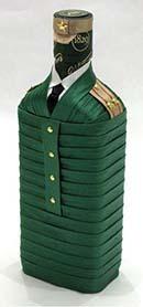 упаковка бутылки на 9 мая или 23 февраля, военный праздник