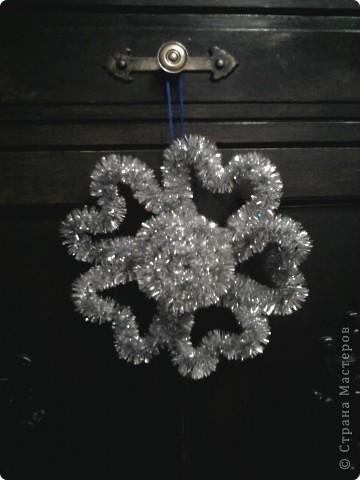 Снежинки из мишуры  мастер класс