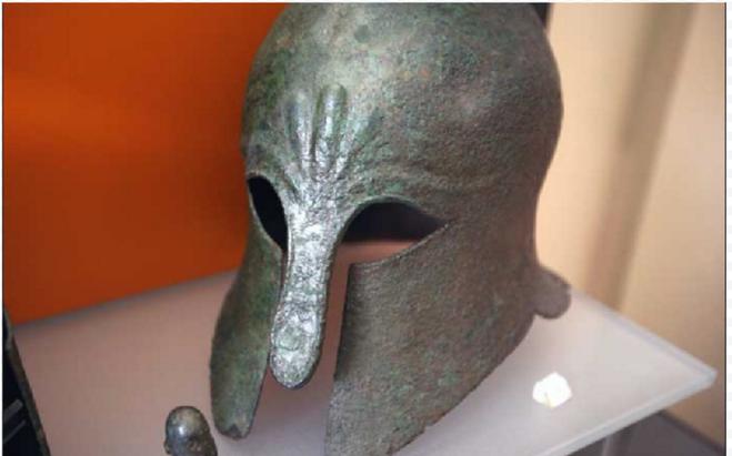 Самый знаменитый из всех экспонатов музея - бронзовая статуя Дельфийского Возничего. Прекрасно сохранившаяся, хотя созданная в 474 г. до н.э.