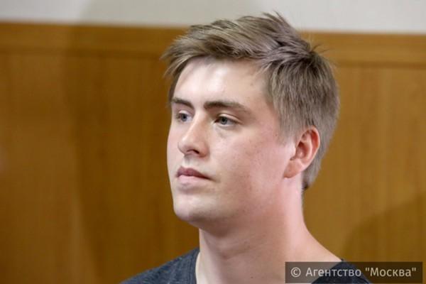 Виктор Усков сын Николая Ускова? Они родственники или однофамильцы?