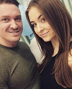 Роман Четин с женой