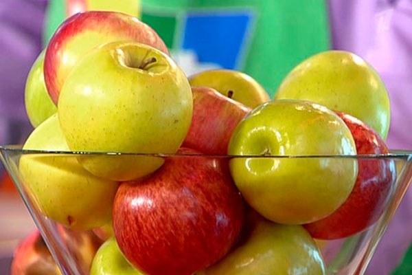Когда кушать яблоко до еды или после