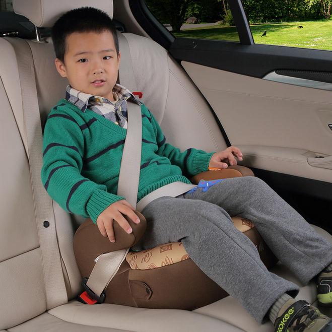 Можно ли ребенка сажать на переднее сидение в кресло 130