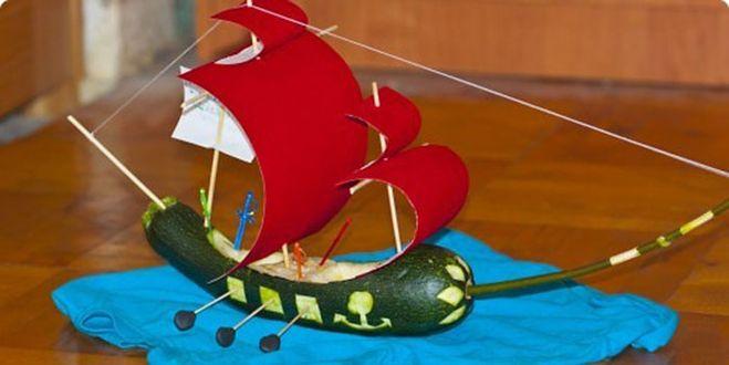 Поделка корабль из кабачков