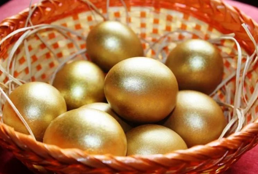 как покрасить яйца в золотой цвет