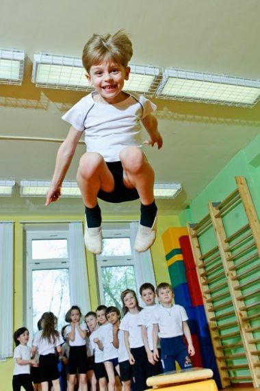 В американских школах дети на уроках занимаются стоя