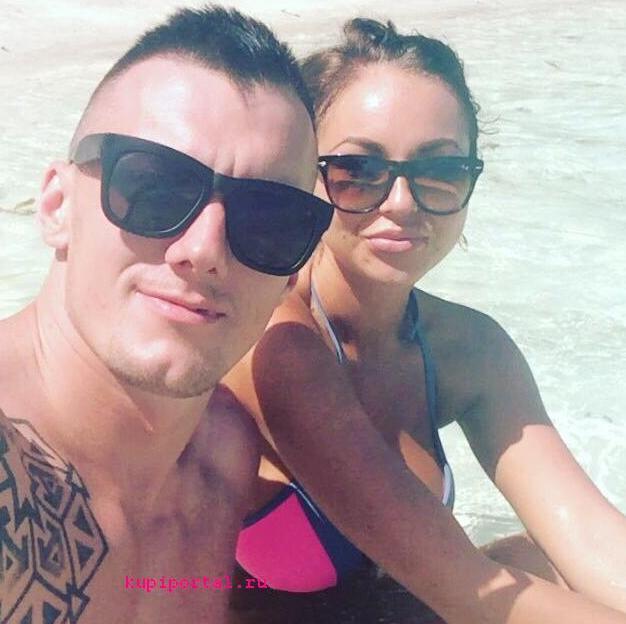 Василий (Васо) Бойко летел на Сейшелы к Кристине Дерябиной, а в итоге начал встречаться с Анастасией Лисовой.