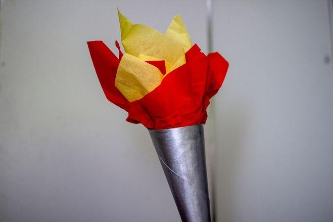 Факел для детей из бумаги