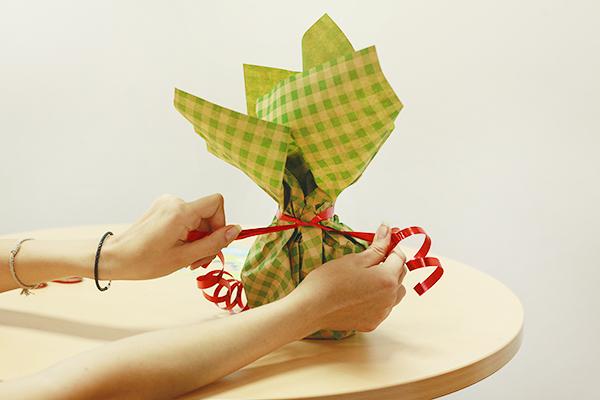Как упаковать кружку в подарок