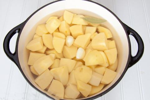можно ли картошку оставить в воде на ночь