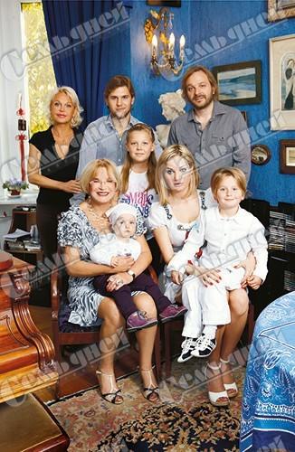 же, интервью с максаковой и ее внучкой поздравления стихах прозе
