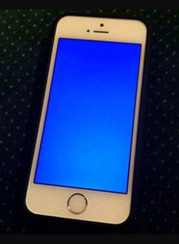 Почему перезагружается айфон 5s сам по себе