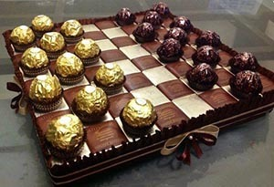 """подарок из конфет """"Фереро Роше"""" - """"шахматная доска"""""""