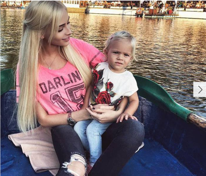 Фото жены Тимати и их ребенка активно публиковалось различными изданиями....