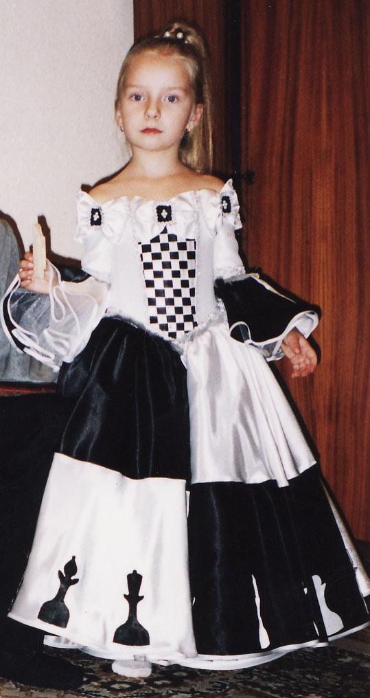 Платье для королевы для девочки своими руками 27