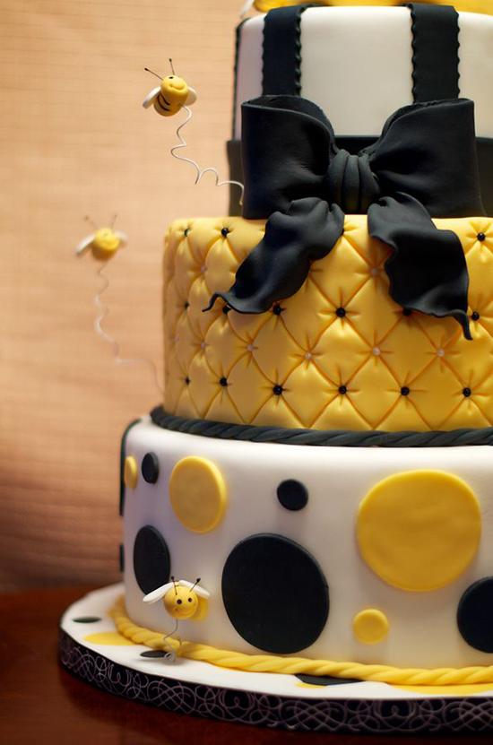 Как сделать вокруг торта из мастики
